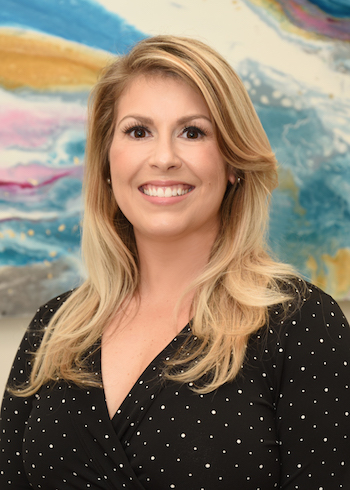 Christine Coney, RNC, BSN, CLC, diseñadora de partos y coordinadora de programas clínicos