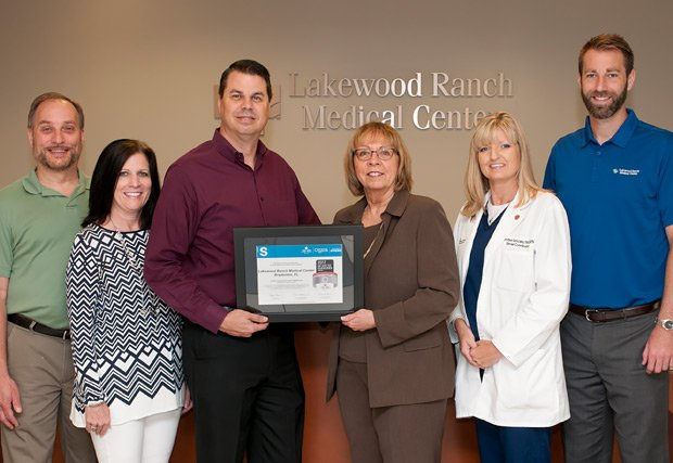 Dr. Andrew Faber, Team Health Facility Medical Director; Judy Young, LWRMC Chief Nursing Officer, Dr. Ralph Gonzalez, Medical Director LWRMC Stroke and Cerebrovascular Center; Kathy Fenelon, Regional VP Quality & Systems Improvement, American Heart Association and American Stroke Association; Christine Gonzalez, LWRMC Stroke Coordinator and Chris Loftus, LWRMC Chief Operating Officer